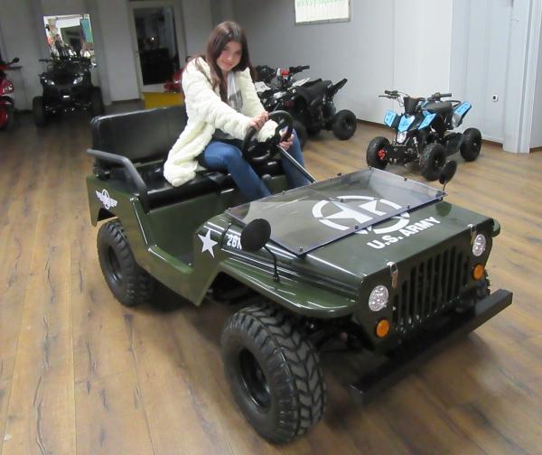 Kleiner Jeep mit 150ccm Automatik